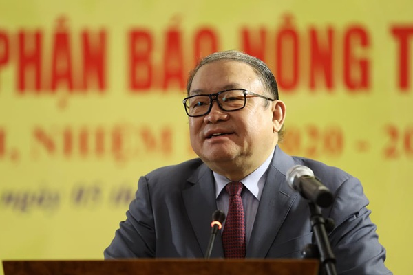 Chủ tịch Thào Xuân Sùng: Nâng cao tính nhân dân, tính chiến đấu của Báo NTNN