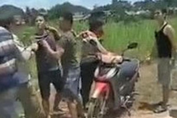 Nổ súng sau va chạm giao thông, người dân chạy tán loạn