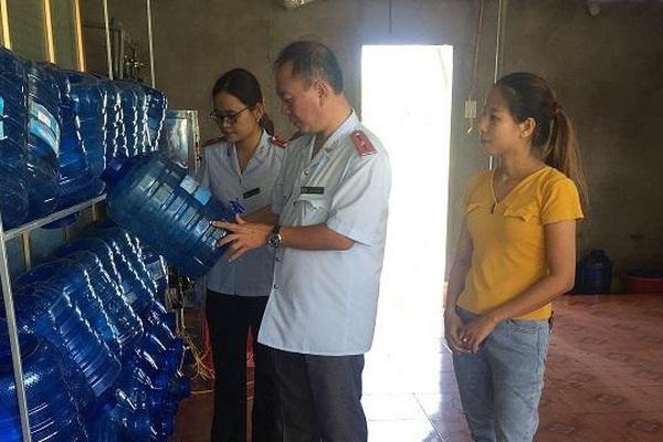 Hà Tĩnh: Tăng cường kiểm tra nước uống đóng chai, nước đá