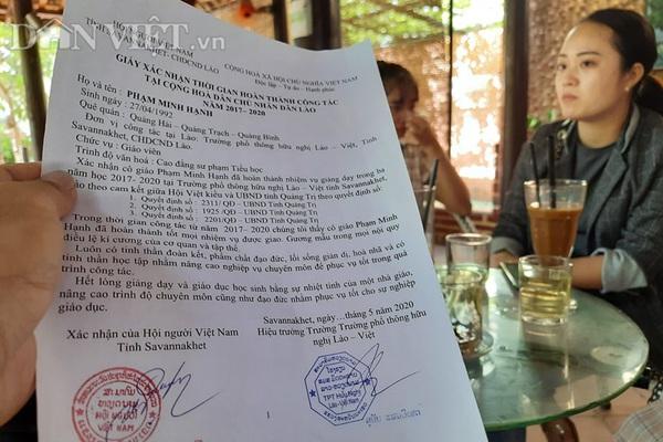 """Vụ giáo viên sang Lào dạy tình nguyện 3 năm nhận """"kết đắng"""": Không thể đem con bỏ chợ"""