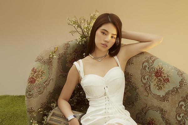 Thường xuyên phát ngôn sốc về tiền bạc - đại gia, Hoa hậu Jolie Nguyễn vẫn bị nghi ngờ gia thế tầm thường