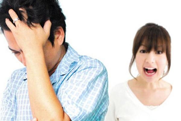 """Chiêu trừng phạt chồng ngoại tình khiến anh ta """"muốn ọe"""", sợ xanh mắt"""