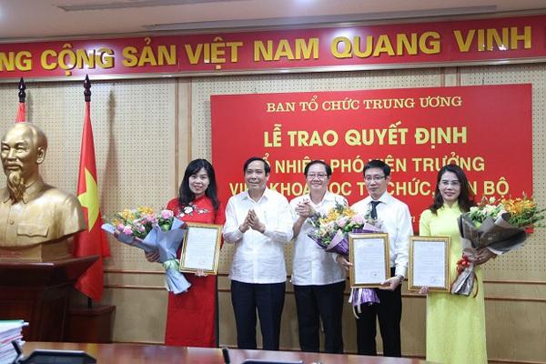 Ban Tổ chức Trung ương trao quyết định bổ nhiệm Phó Viện trưởng cho 3 người điểm thi cao nhất