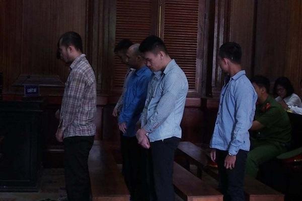 Bé trai 13 tuổi bị chém chết tức tưởi, bản án cho những kẻ côn đồ