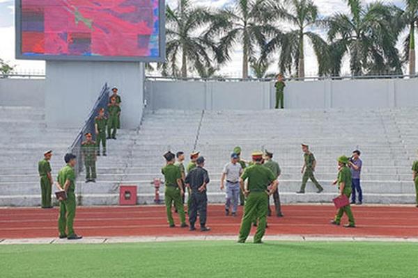 Sợ vỡ sân, Hà Tĩnh diễn tập an ninh trước khi đón Công Phượng, Phi Sơn
