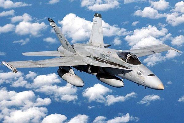 Điểm danh 10 chiến đấu cơ đắt đỏ nhất của Không quân và Hải quân Mỹ