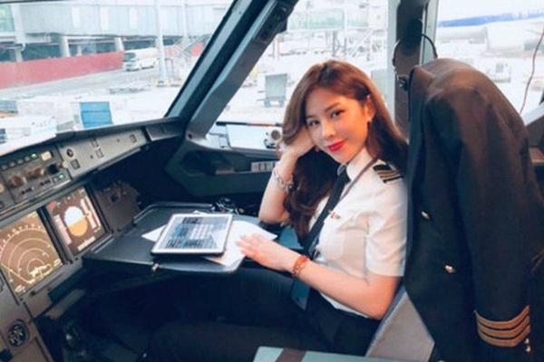 Nữ cơ phó Việt sở hữu nhan sắc xinh đẹp cùng gu thời trang gợi cảm