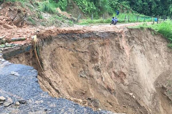 Một số tuyến đường ở Lào Cai sạt lở nghiêm trọng do mưa lũ