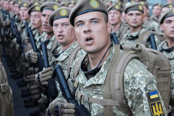 Tướng Ukraine tuyên bố sốc chuẩn bị chiến tranh với Nga