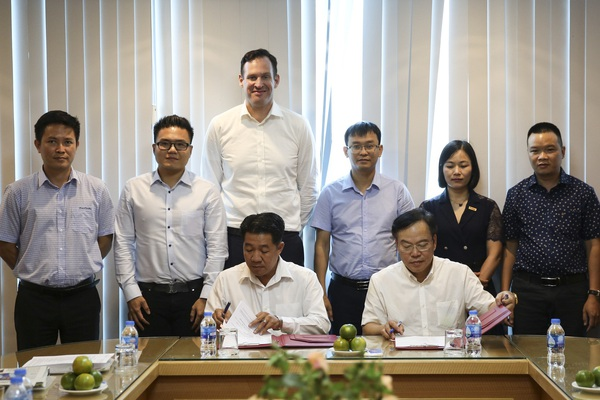 Báo Nông thôn Ngày nay/Dân Việt và Tập đoàn Hùng Nhơn ký biên bản hợp tác