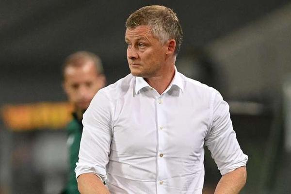 M.U vào bán kết Europa League, vì sao HLV Solskjaer không hài lòng?