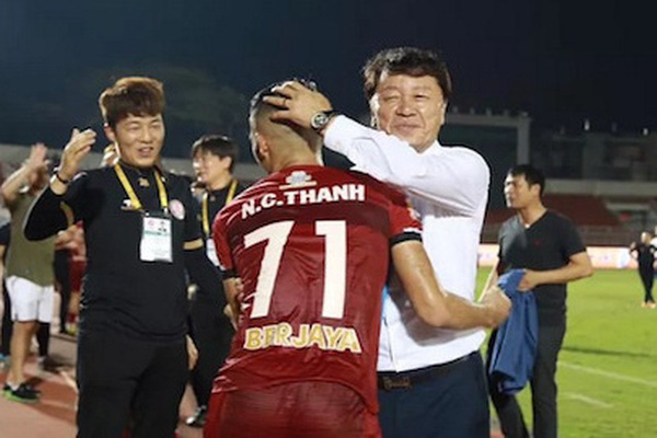 Chuyện hài V.League: HLV Chung Hae-seong trở lại dẫn dắt CLB TP.HCM