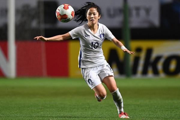Nữ tuyển thủ Hàn Quốc đẹp tựa thiên thần, hé lộ có bạn trai
