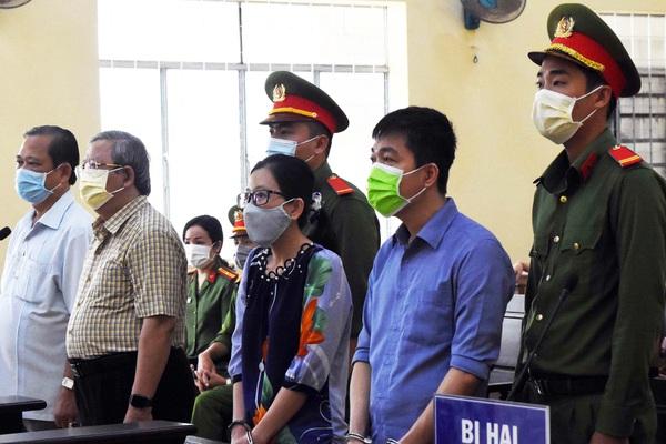 Cà Mau: Nguyên Giám đốc Sở Y tế lĩnh 2 năm tù