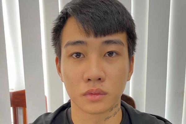 Gã trai 18 tuổi ở Hà Nội đầu thú vì giết người