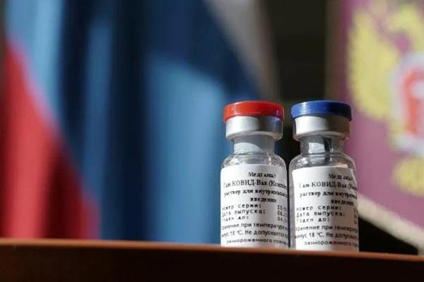 Đây là lý do phương Tây không cấp phép cho vắc xin Covid-19 của Nga