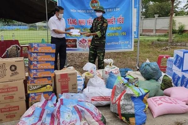 Của ít lòng nhiều, nông dân Đại Lộc mang thịt, trứng, gạo, rau tặng tuyến đầu chống dịch Covid-19