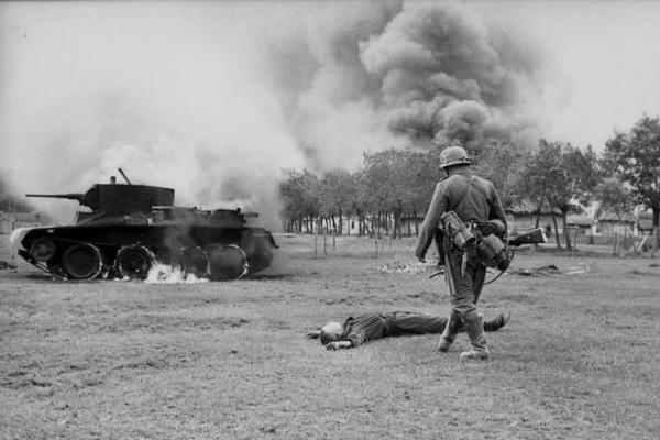 700 xe tăng Đức khiến 3.500 xe tăng Liên Xô thảm bại thế nào?