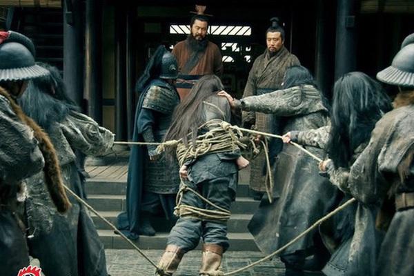 Cùng bị Tào Tháo vây, vì sao Triệu Vân thoát được còn Lã Bố lại chết thảm?