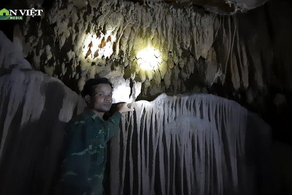 Clip: Khám phá cụm hang động hoang sơ đẹp lung linh mới được phát hiện ở Quảng Trị