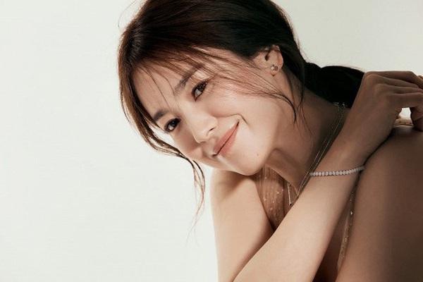 """Song Hye Kyo xinh đẹp """"đốn tim"""" trong bộ ảnh mới chuẩn đẳng cấp """"đại mỹ nhân"""" không thuộc về ai"""