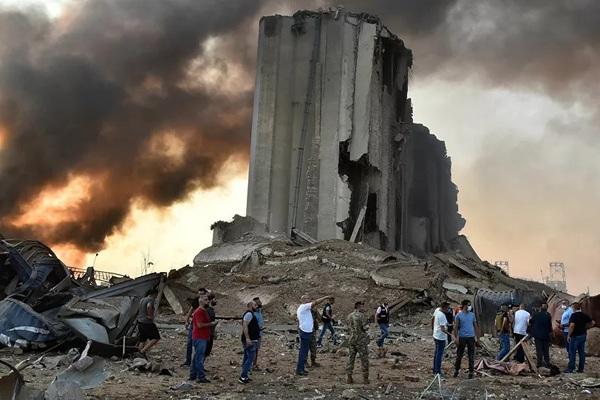 Ai gây ra vụ nổ khủng khiếp như bom nguyên tử ở Beirut?