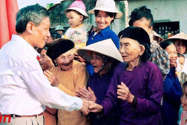 Nguyên Tổng Bí thư Lê Khả Phiêu về thăm, từ điểm nóng khiếu kiện thành nông thôn mới