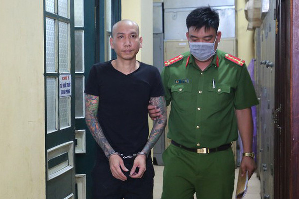 Vụ Phú Lê bị bắt: 'Giang hồ mạng' đối mặt cùng lúc 2 tội danh