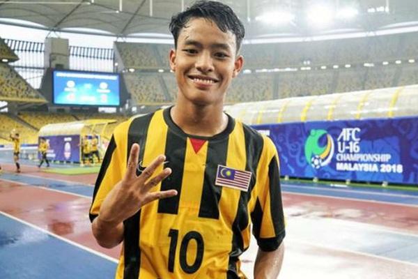 """Tỷ phú ra tay, """"thần đồng Malaysia"""" kí hợp đồng 5 năm với CLB Bỉ"""