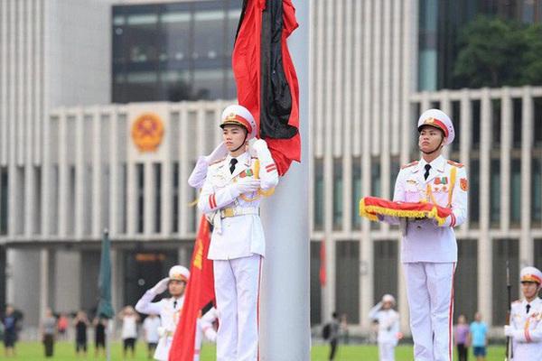 Cách treo cờ rủ lễ Quốc tang nguyên Tổng Bí thư Lê Khả Phiêu