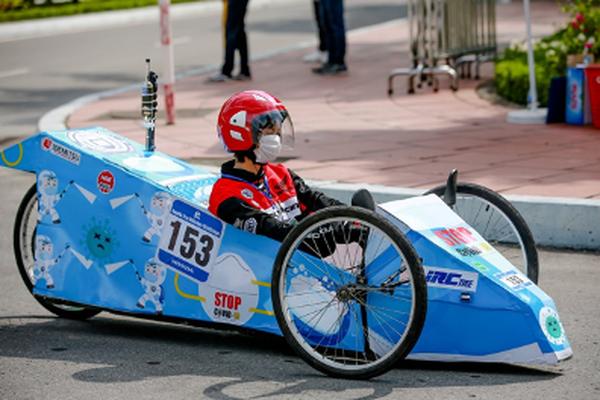 Xe tự chế EAUT giật Giải Thiết kế Cuộc thi Lái xe Sinh thái – Tiết kiệm nhiên liệu Honda 2020
