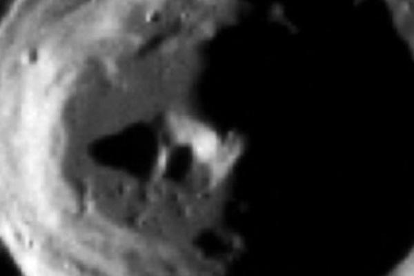 Tìm thấy căn cứ của người ngoài hành tinh trên Sao Thủy?