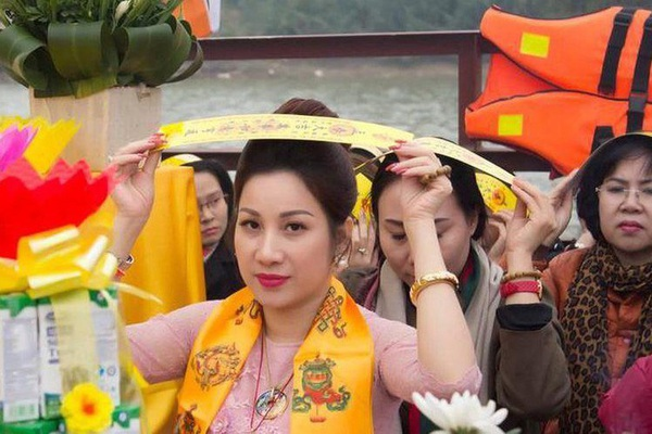 """Giám đốc sửa kết quả đấu giá đất cho vợ Đường Nhuệ vì """"nể tình chị em""""?"""