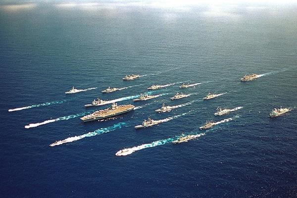 Có thật chiến hạm Kirov của Nga cân cả nhóm tàu sân bay Mỹ?