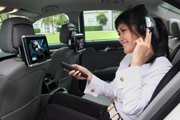 Nhiều năm không đổi xe, diva Hồng Nhung thích chiếc xế hộp tiền tỉ nào?