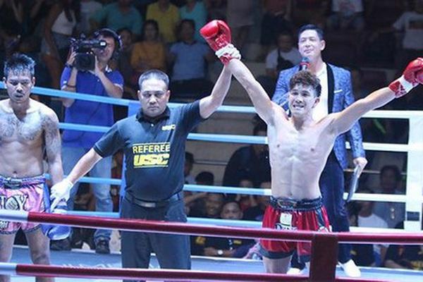 """Clip: Nguyễn Trần Duy Nhất hạ """"siêu võ sĩ"""" Thái Lan từng thắng 60 trận"""