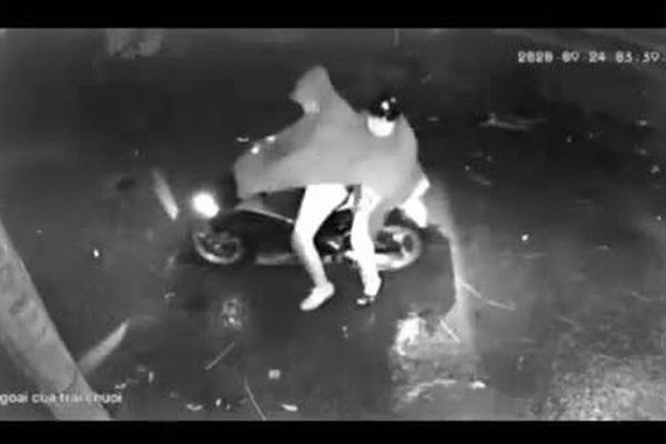 Táo tợn dùng vật nghi súng bắn vào nhà dân trong đêm ở Hải Phòng