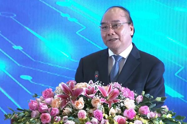 """Thủ tướng Nguyễn Xuân Phúc: """"Khám chữa bệnh từ xa là bước tiến lớn của ngành y tế"""""""