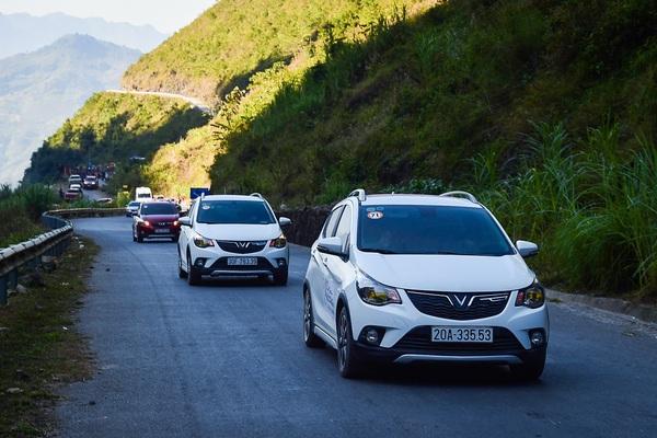 Có 300 triệu đồng nên mua ô tô nào?