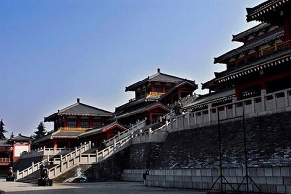 Góc khuất về cuộc đời của vị hoàng đế đầu tiên trong lịch sử Trung Quốc