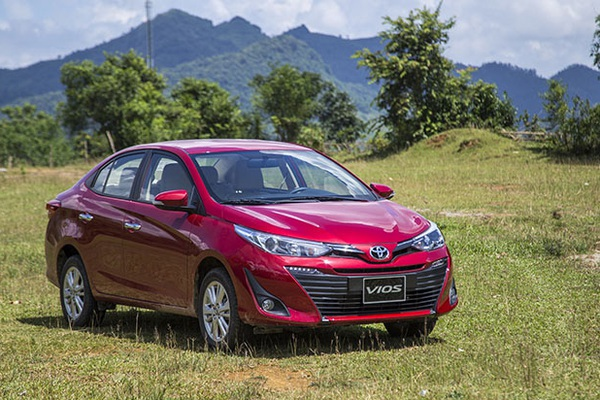 """""""Vua doanh số"""" Toyota Vios tung ưu đãi lớn, giá hấp dẫn cuối tháng 9"""