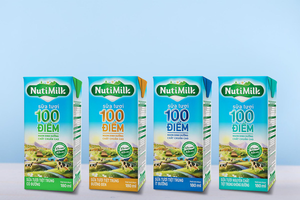 """Sữa đường đen 100 điểm NutiMilk - Hương vị ngon tuyệt, giúp mẹ dụ bé uống sữa trong """"tích tắc"""""""