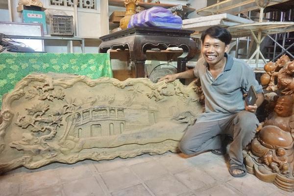 """Quảng Nam: Chàng trai Hội An hơn 30 năm """"thổi hồn"""" cho những thớ gỗ vô tri"""