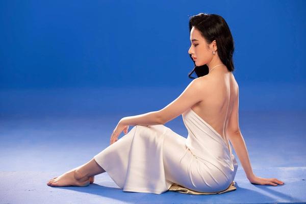 """Angela Phương Trinh quay trở lại với hình ảnh cực sexy sau thời gian dài """"ở ẩn"""""""