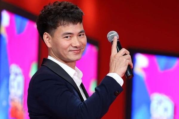 Sự nghiệp thăng hoa của người thủ vai Nam Tào suốt các mùa Táo Quân ở tuổi 45