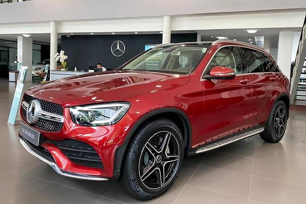 Nhiều người mua Mercedes GLC 300 kêu than 2 điều này