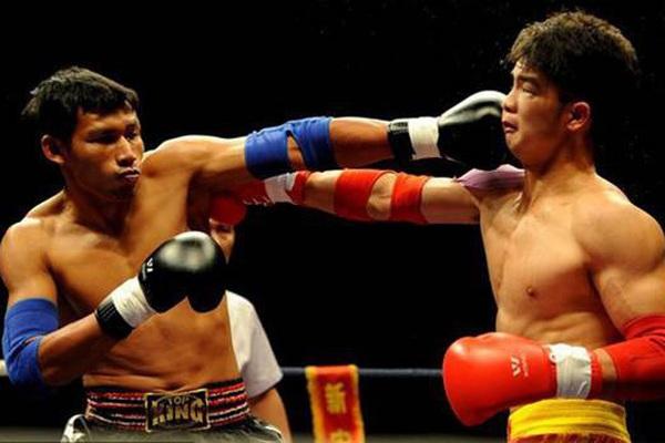3 lần kungfu Trung Quốc thách đấu muay Thái: 1 đòn là ngất!