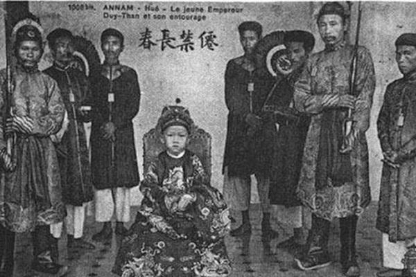 5 hoàng đế nhà Nguyễn nối nhau ngồi ngai vàng chỉ 5 năm