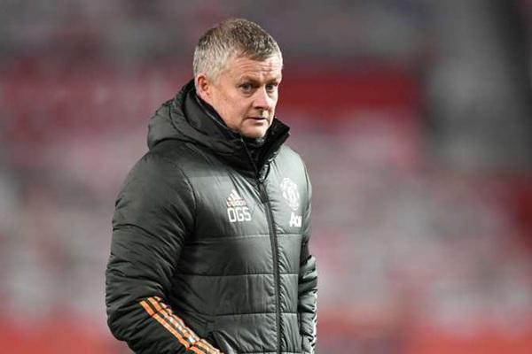 """Rời Anfield với 1 điểm, HLV Solskjaer cười như """"được mùa"""""""