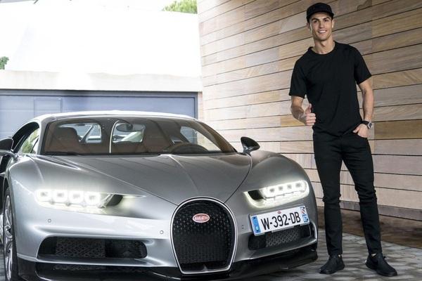 Siêu xe Bugatti Centodieci của Cristiano Ronaldo: Giá 254 tỷ, thế giới chỉ có 10 chiếc